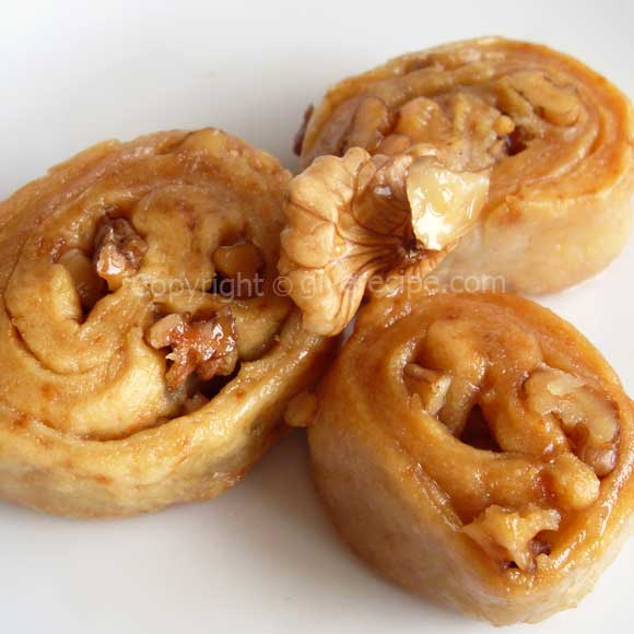 Walnut Rolls | giverecipe.com