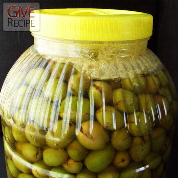 How To Cure Green Olives | giverecipe.com