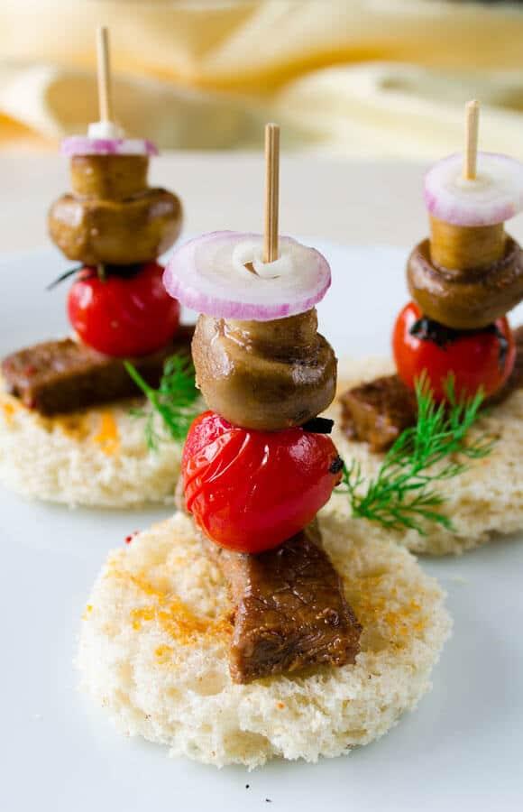 Beef Tenderloin Canapes   giverecipe.com