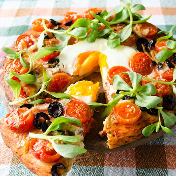 Homemade Pizza With cherry Tomatoes11