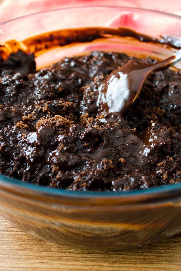 Thumbprint Chocolate Truffles With Turkish Delight   giverecipe.com