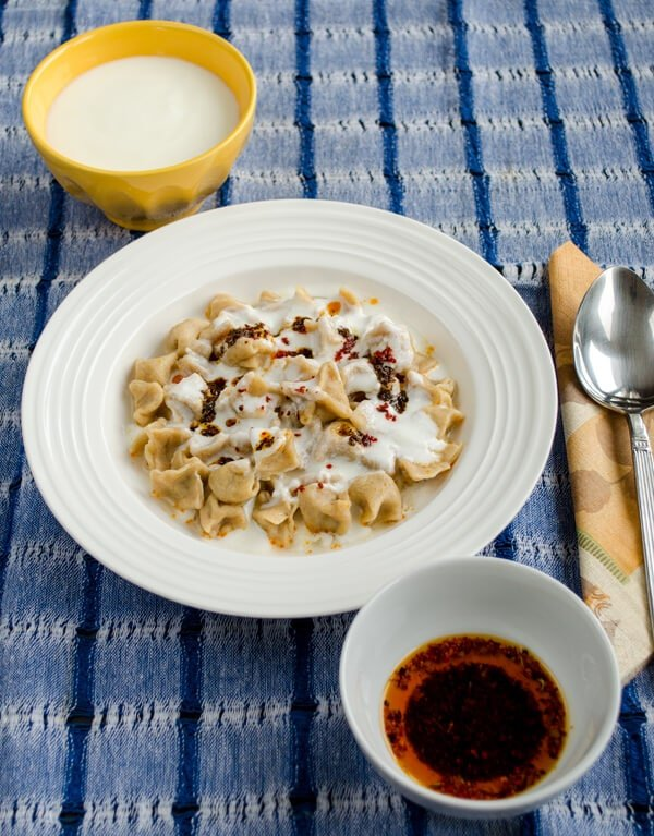 how to serve turkish manti
