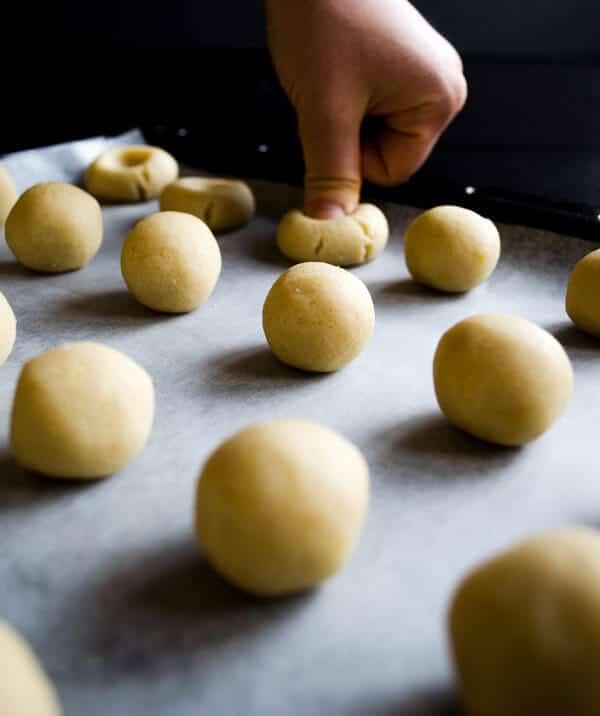 Lemon Jam Thumbprint Cookies   #thumbprint #cookies #dessert #sweet #lemonjam   giverecipe.com