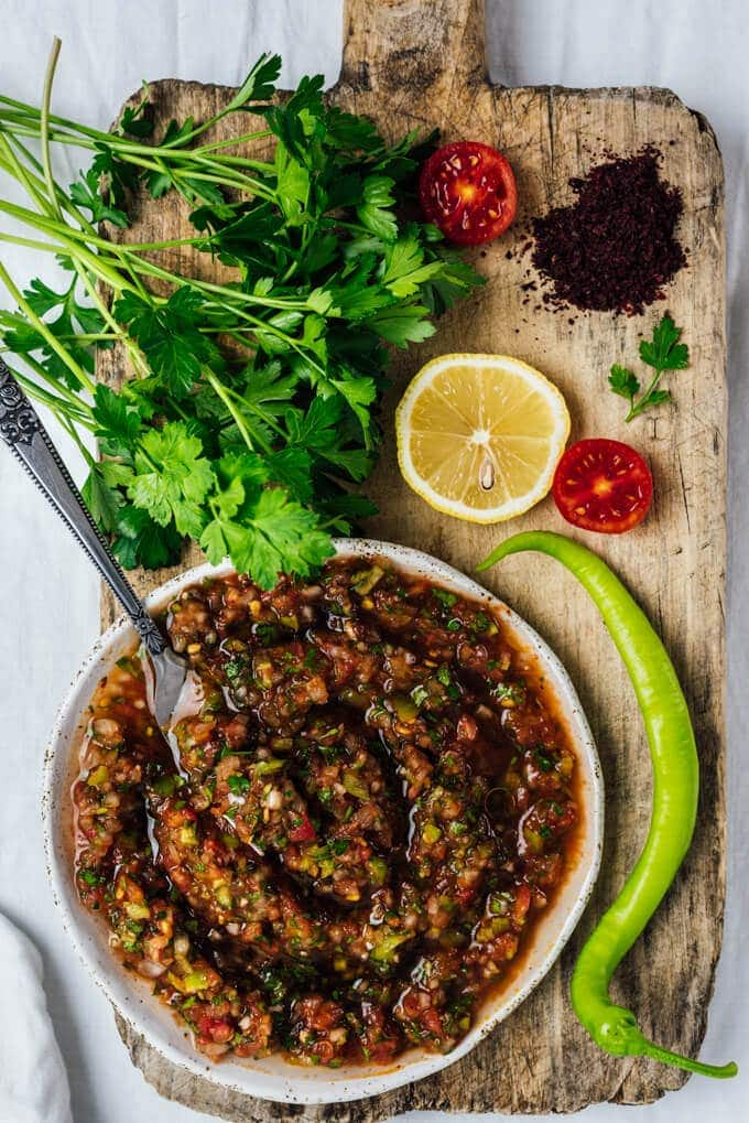 Turkish spicy ezme salad give recipe served as a sauce on kebabs or as a salsa with some pita turkish ezme forumfinder