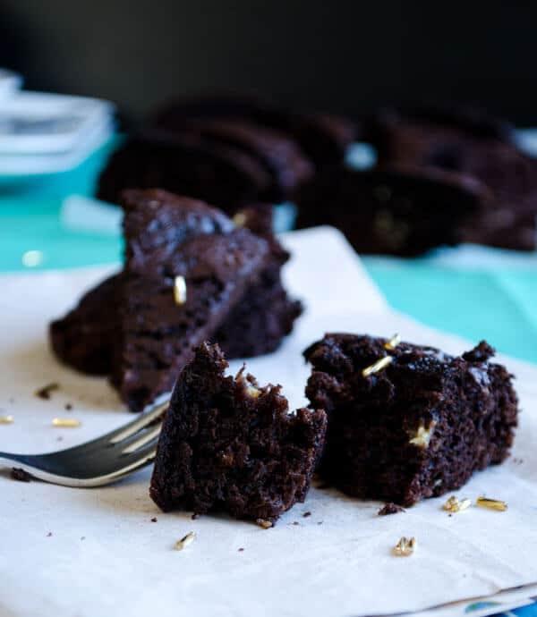 Chocolate and Zucchini Cake   giverecipe.com   #chocolate #cake #zucchini #dessert #healthy