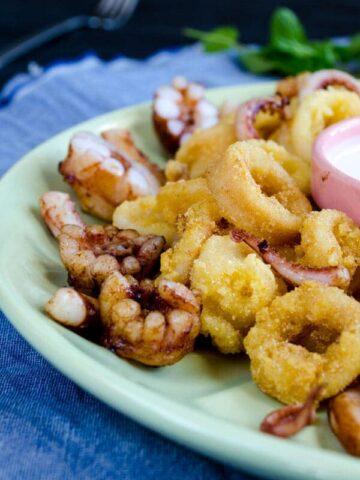 Deep Fried Calamari with Tarator Sauce | giverecipe.com | #calamari #squid #tarator #seafood