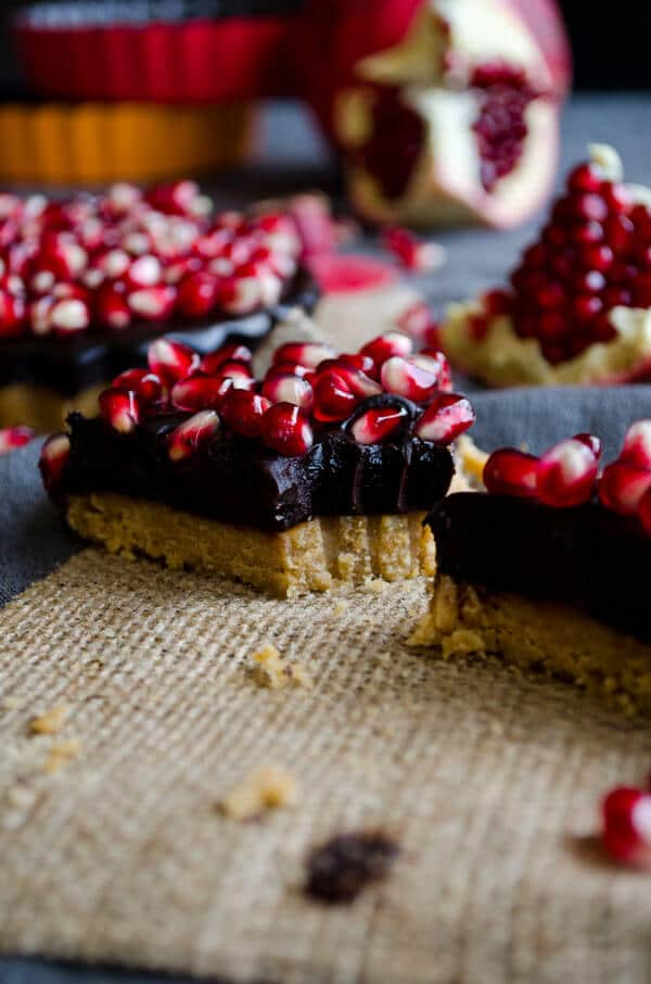 No-Bake Chocolate Pomegranate Tart | giverecipe.com | #tart #chocolate #pomegranate #fall