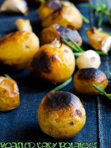 Roasted Baby Potatoes | giverecipe.com | #potatoes #side
