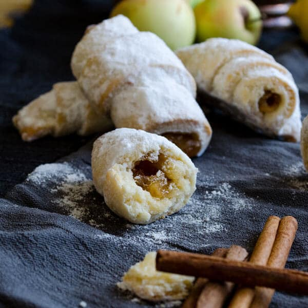 cinnamon walnut apple rolls