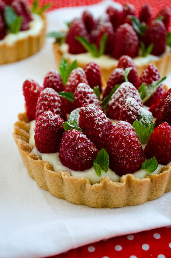 Strawberry Pie with Vanilla Pudding | giverecipe.com | #strawberry