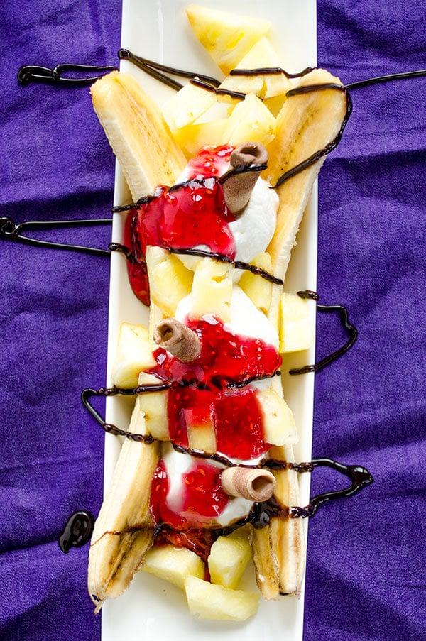 Easy and healthy banana split | giverecipe.com | #banana #dessert #bananasplit #greekyogurt