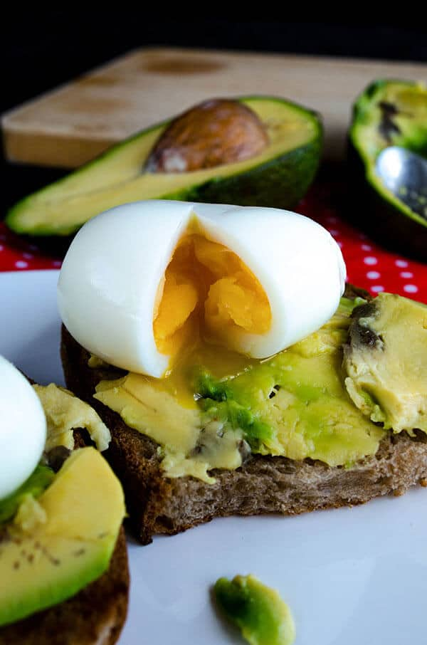 Egg and Avocado Toast | giverecipe.com | #egg #avocado #toast