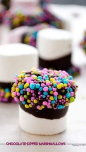 Chocolate-dipped marshmallows | giverecipe.com | #chocolate #marshmallows #valentine #sprinkles