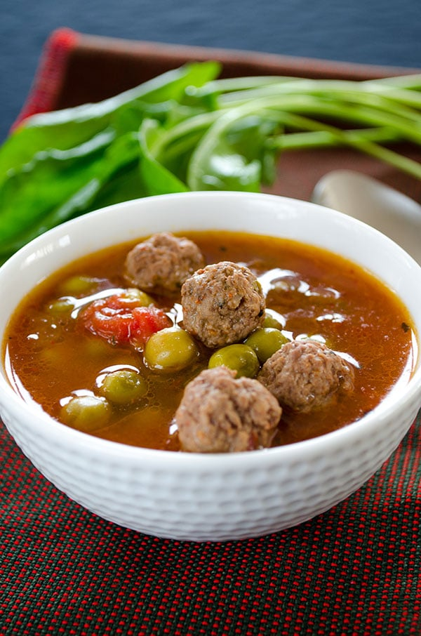 Pea soup with meatballs 2