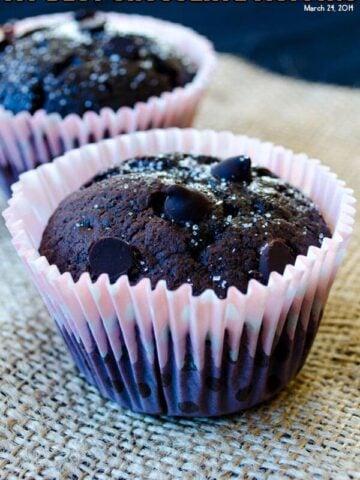 My Best Chocolate Muffins | giverecipe.com | #muffins #chocolate #chocolatechips #chocolatemuffins