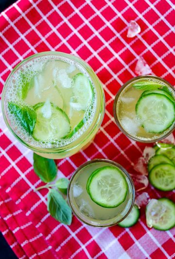 Fresh cucumber lemonade in glasses