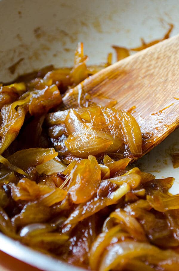 How to Caramelize Onions  | giverecipe.com | #onion #snack