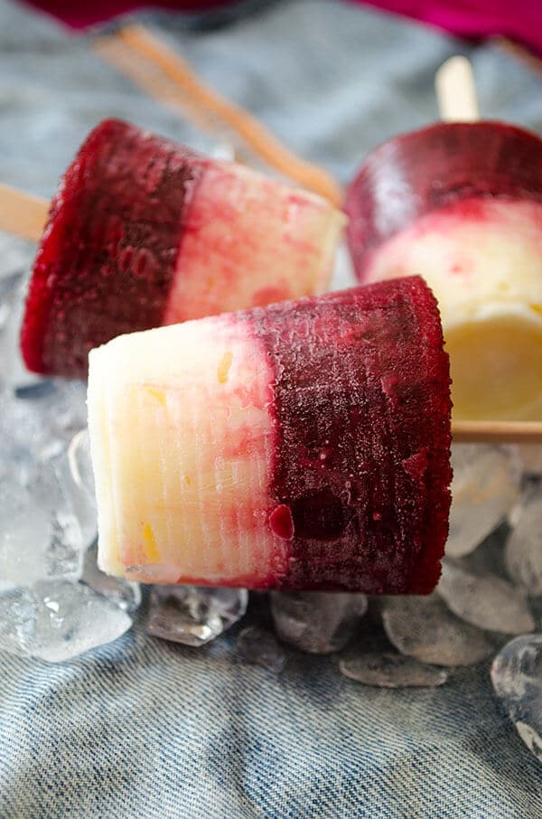 Cherry Vanilla Pudding Pops   giverecipe.com   #pops #popsicles #vanillapudding #puddingpopsicles #cherry #cherrypops #summertreats #frozendessert