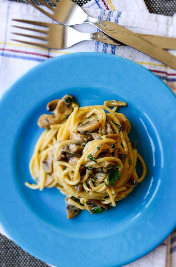 Creamy Mushroom Pasta | giverecipe.com | #pasta #spaghetti #mushroom #heavycream