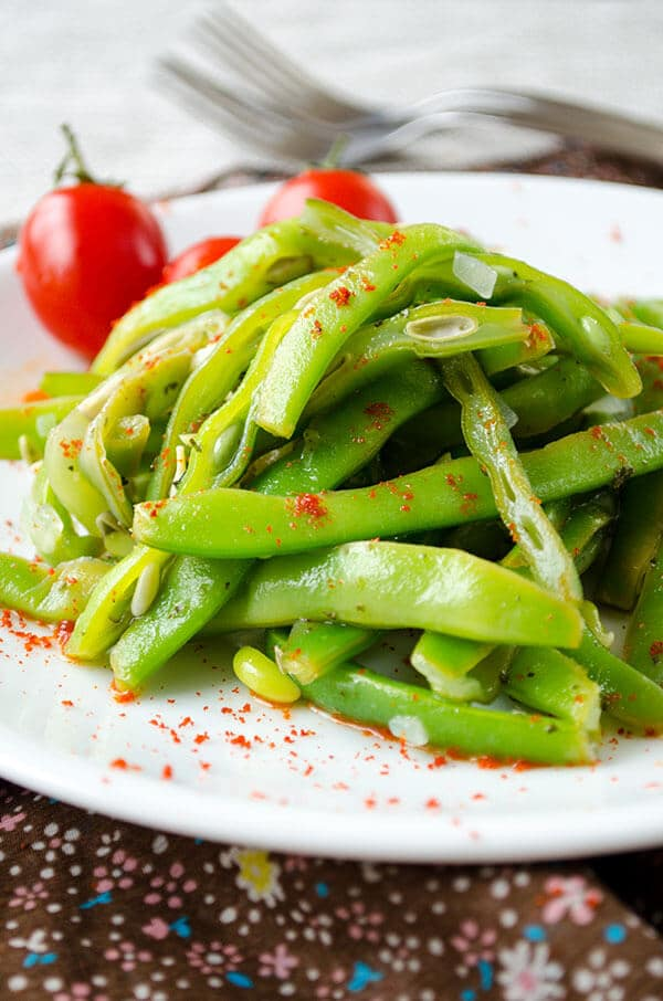 Tangy Green Bean Salad | giverecipe.com | #salads #greensalads #greenbeans #summerrecipes
