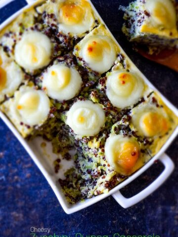Cheesy Zucchini Quinoa Casserole | giverecipe.com | #casserole #quinoa #zucchini #healthycasserole #quinoarecipes