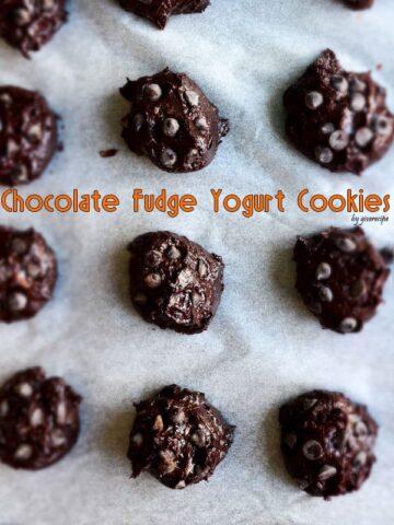 Chocolate Fudge Yogurt Cookies   giverecipe.com   #chocolate #greekyogurt #cookies