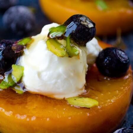 Pan Seared Peaches with Yogurt | giverecipe.com | #peachrecipes #peachdesserts #skinnydesserts #summerdesserts #pansearedpeaches