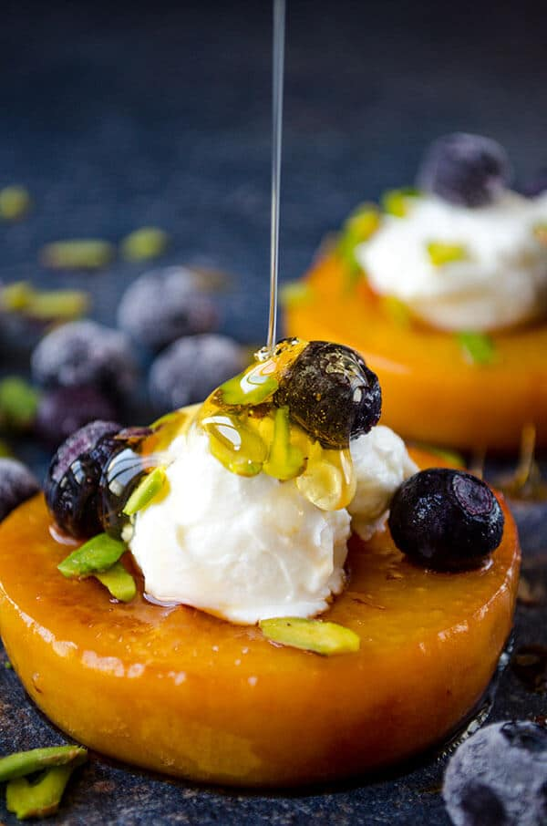 Pan Seared Peaches with Yogurt | giverecipe.com | #peachrecipes #peachdesserts #skinnydesserts #summerdesserts #pansearedpeaches
