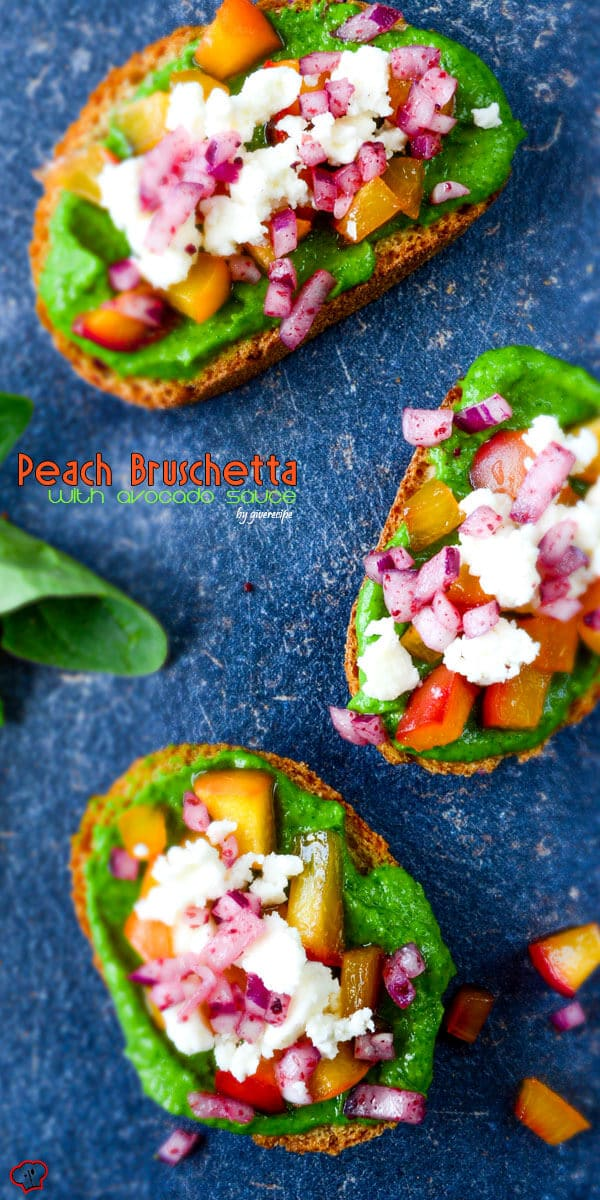 Peach Bruschetta with Avocado Sauce | giverecipe.com | #peach #avocado #bruschetta #redonion #feta #partyfood #summer #healthy