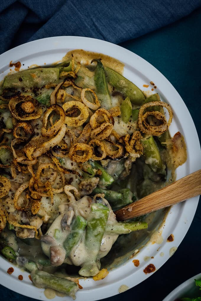 Skinny Green Bean Casserole has the most amazing taste you can expect from a green bean casserole. No canned mushroom soup or heavy cream.