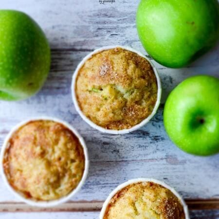 Zucchini Cinnamon Apple Muffins | giverecipe.com | #zucchini #apple #cinnamon #muffins #fall