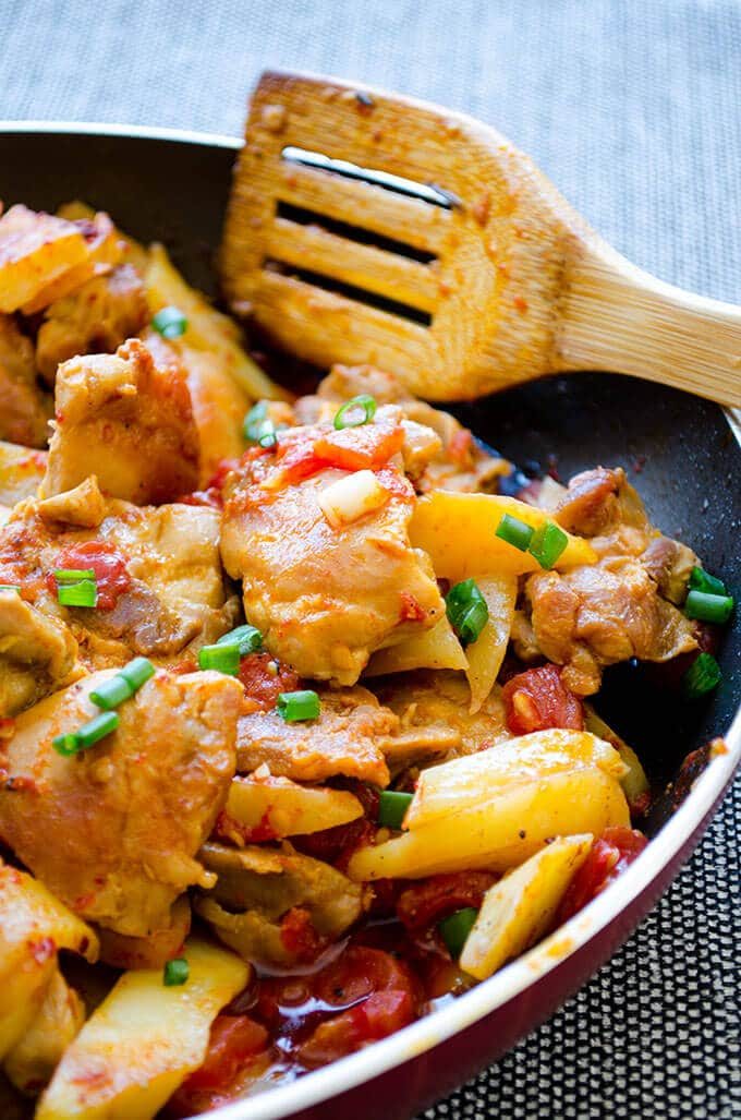 Chicken and Potatoes with Tomato SauceGive Recipe