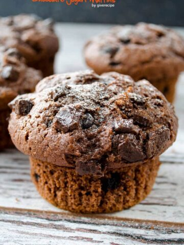 Chocolate Yogurt Muffins | giverecipe.com | #muffins