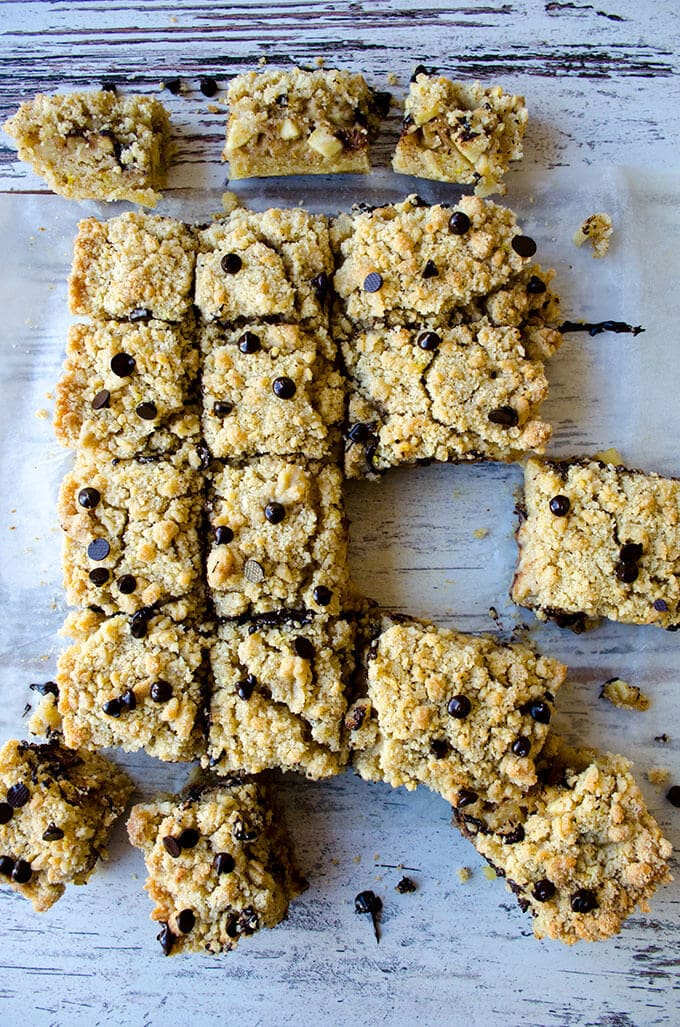 Zesty Apple Crumble Bars | giverecipe.com | #apple