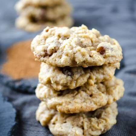 Chewy Oatmeal Raisin Cookies | giverecipe.com | #cookies #oatmeal