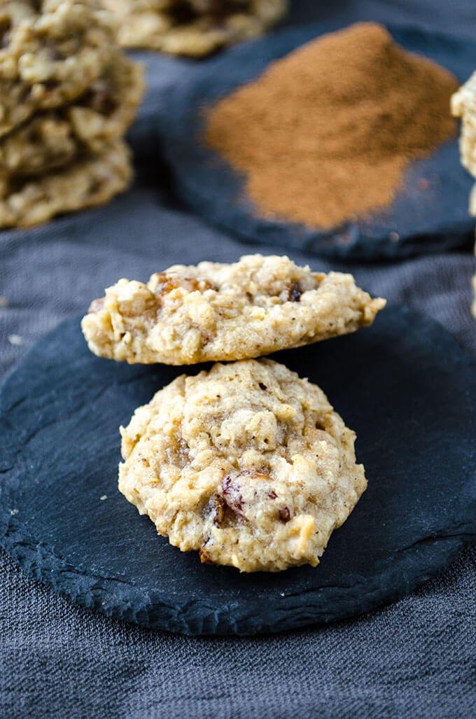 Chewy Oatmeal Raisin Cookies | giverecipe.com | #cookies #oatmeal