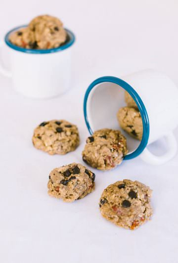 Chewy Oatmeal Raisin Cookies make a perfect breakfast when you have to go out fast on weekday mornings