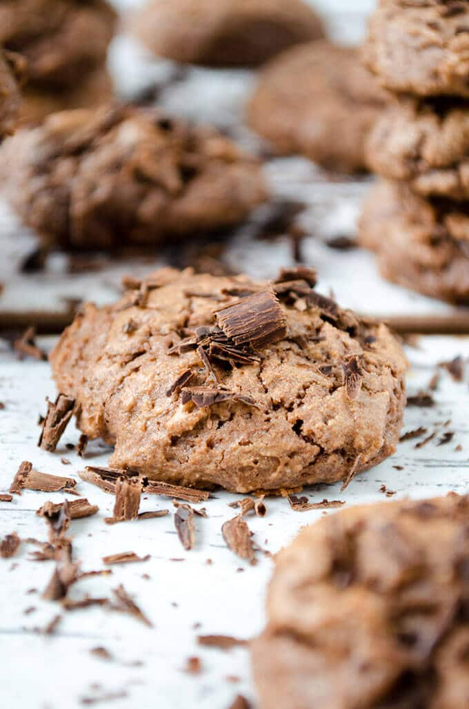 Basic Chewy Chocolate Cookies | giverecipe.com | #chocolate #cookies