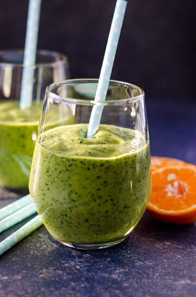 Simple Green Smoothie | giverecipe.com | #smoothie #avocado