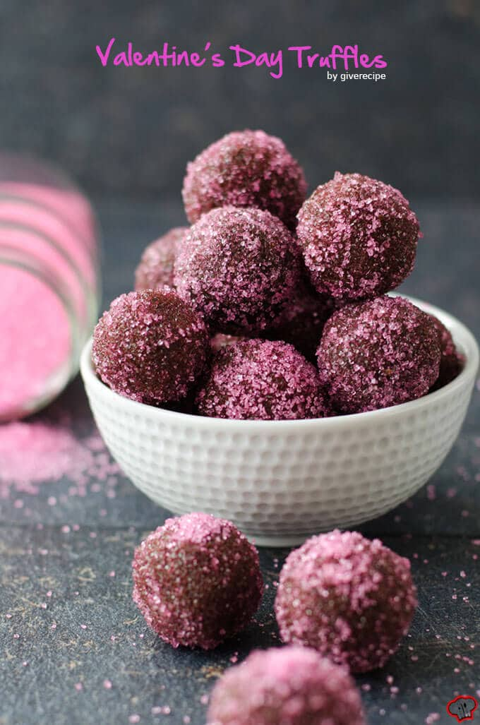 Valentines Day Truffles |giverecipe.com | #chocolate #valentinesday