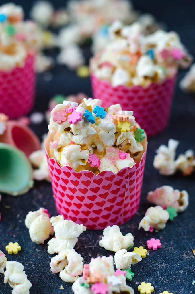 White Chocolate Popcorn - Give Recipe
