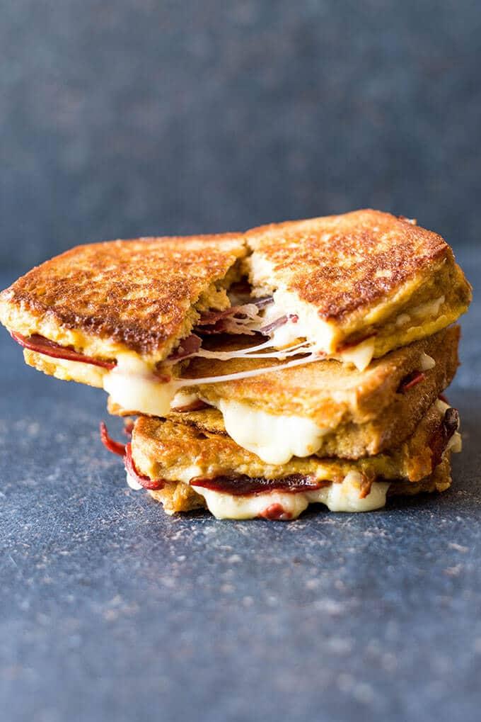 French Toast Sandwiches | giverecipe.com |#breakfast #frenchtoast