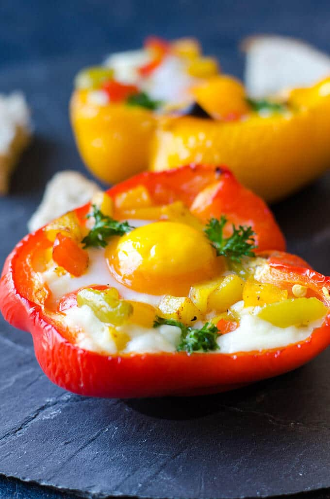 Potato and Egg Stuffed Peppers | giverecipe.com | #egg #breakfast