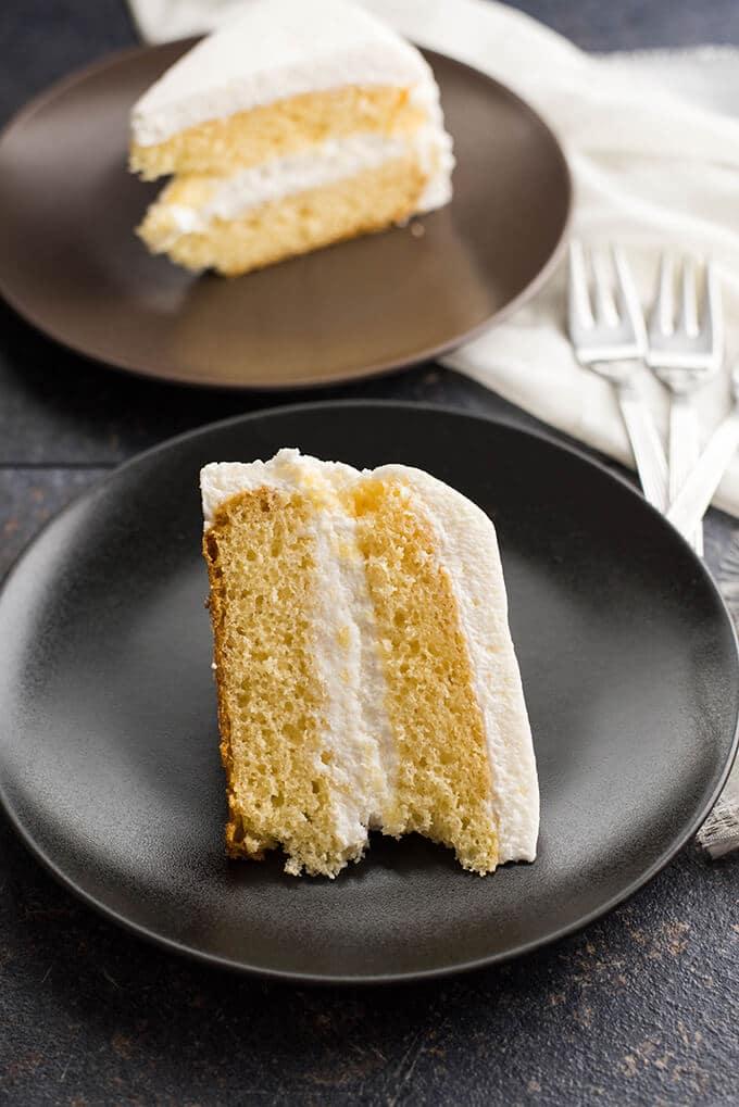 Simple Vanilla Cake   giverecipe.com   #whitecake #vanillacake