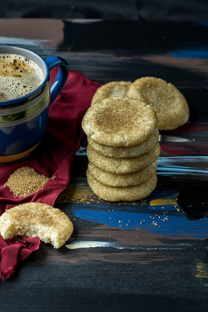 The best chewy sugar cookies glittering with brown sugar crystals on the outside. Love at first bite thanks to the crispiness of these golden sparkles.