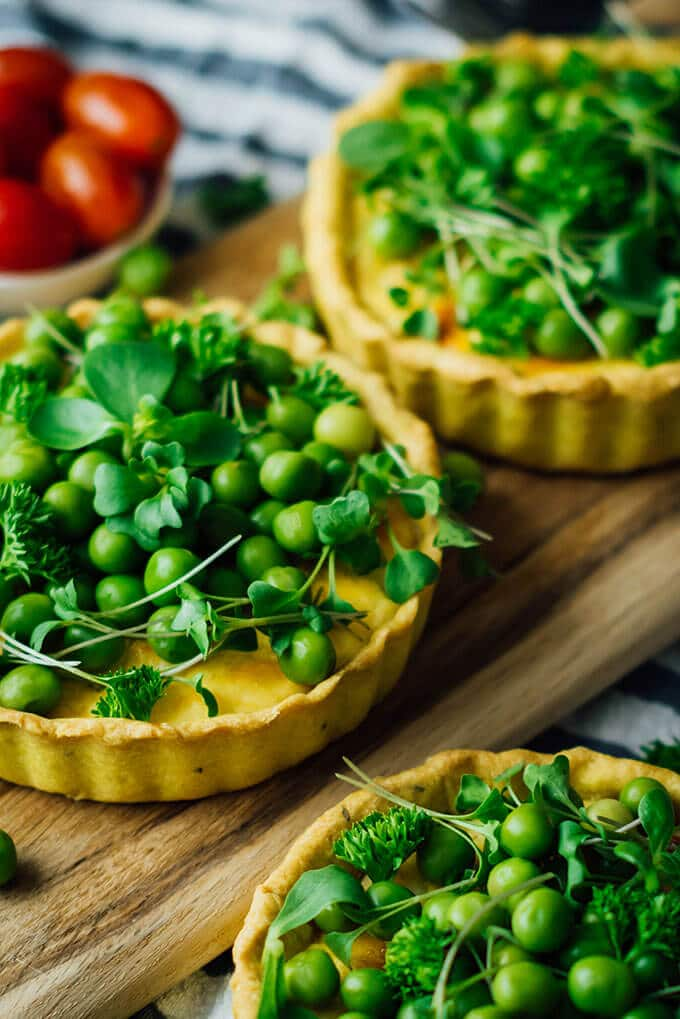 Vegetable tart recipe with peas, herbs and cheese