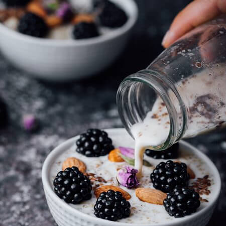 Blackberry Quinoa Breakfast Bowl gives a magical touch to your body with all the healthy foods inside and makes your body ready for the day. If you cook the quinoa ahead of time, preparing a power bowl like this takes no time. Ready in seconds!