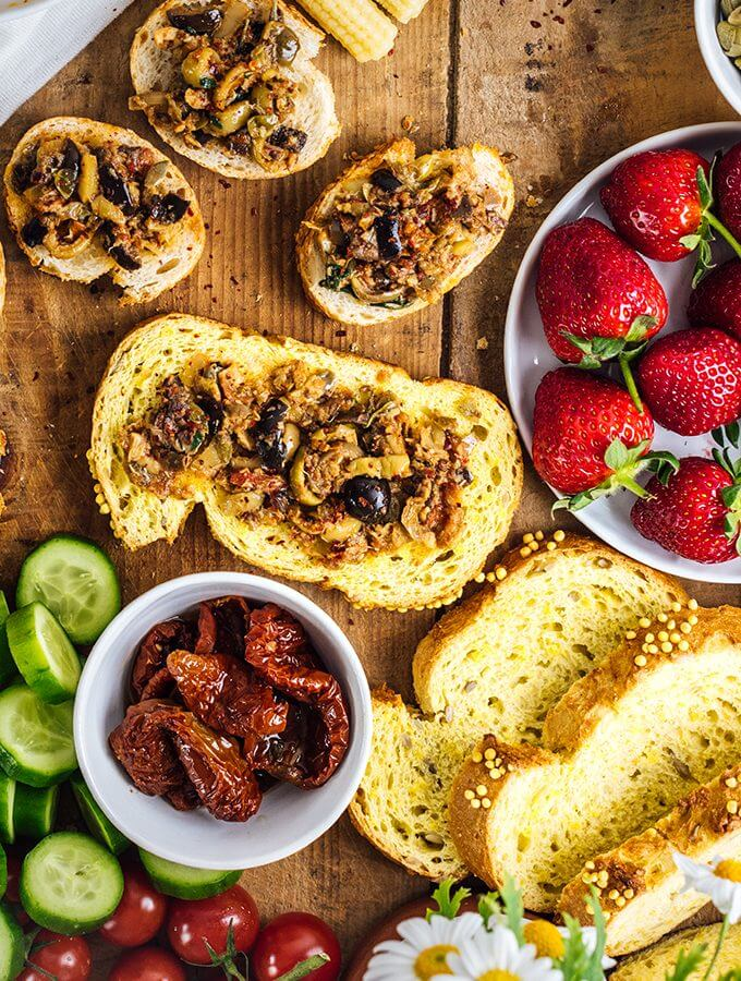 Sun-Dried Tomato Tapenade is a perfect combination of sweet, hot and tangy flavors. This makes a flavorsome spread as an appetizer or sandwiches.