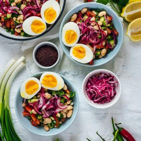 urkish White Bean Salad is super healthy and easy to make with some simple ingredients. Packed with flavors and protein, this salad makes a wonderful vegetarian dish.