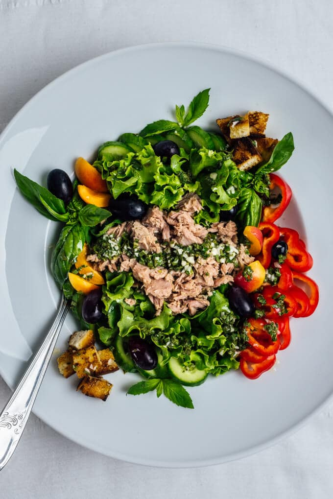 Tuna Salad without Mayo is packed with flavors and can be served as a sandwich as well. The garlicky mint vinaigrette takes it to the next level and you are never bored of it.